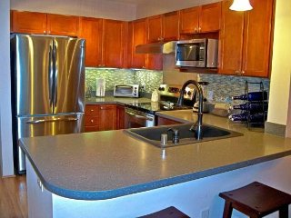$5,000 / 2 BR, 2.5 BA - 1375ft2 - Fully Furnished Luxury!!!