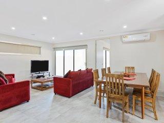 CITYBAY VILLA 157 - MELBOURNE Modern & Spacious, Great for Groups