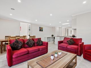 CITYBAY BILLA 143 - MELBOURNE Sleeps 10, 30min to CBD,  All linen included