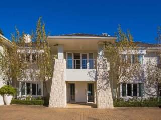 WOW Factor: This masterpiece is an entertainers dream
