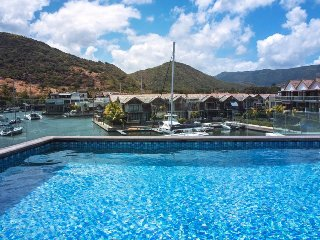 Luxurious self-catering Penthouse with pool in a marina at Black River