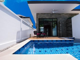 1 bedroom  Pool Villa by Rawai Beach, only a 5 minute walk to restaurants,bars