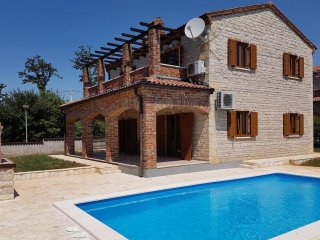 Villa with Pool & 4 bedrooms | 4x Air Conditioning