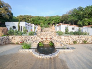 Tarifa Kitesurfing Villa, Sea Views, Pool, Gardens