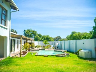 Langebaan-on-Sea - perfect for kitesurfers, families, wedding couples.