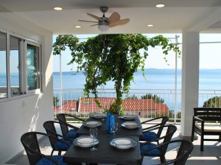 Great Seaview Apartment just 150m from the beach, Large Dining Terrace