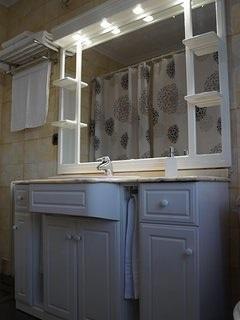 Full bathroom with tub / shower.