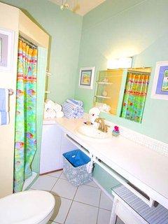 Bright island bath