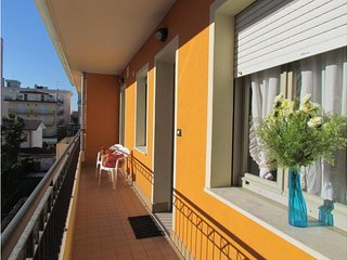 Cozy Condo up to 9 Guests - Airco - Washing Machine Private Parking Beach Place