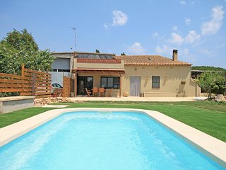 Cozy house with pool in 10 min from the beaches of Empúries