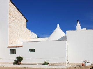 Da Nonna Enza-Tipica casa in Pietra con Trullo