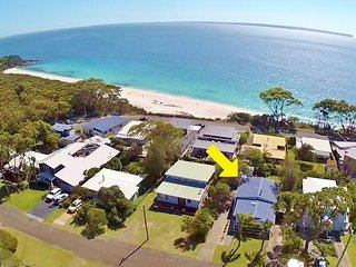 Tulip 12 - Bimbimbie at Hyams Beach - Pay for 2, Stay for 3 + 4pm Check Out Sund