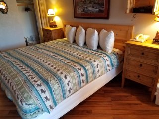Intro Rates End Soon! Deluxe Boutique King Suite Room for your Mountain Getaway
