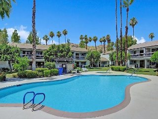 2BR Condo w/ Heated Pool & Mountain View Patio - Drive 10 Minutes to Downtown