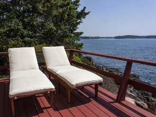 2BR Cabin w/ Deck & Ocean View, Minutes From Boothbay Harbor