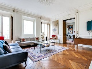 Very nice 212 sqm apartment near Republique