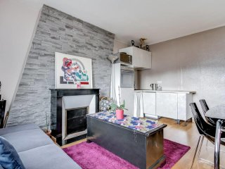 W024 - Pleasant apartment near Porte Maillot