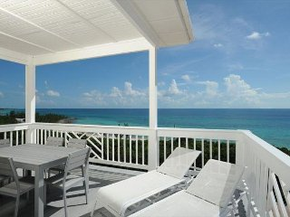 New Penthouse w/Htd. Pool, Dock, Pvt Beach, 2-Ocean View, Kayaks, Golf Cart