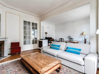 Parisian penthouse Molitor