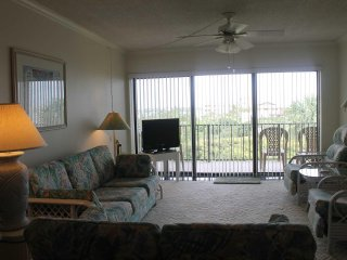 Ocean House Condo #307 - Ocean View & Intracoastal View
