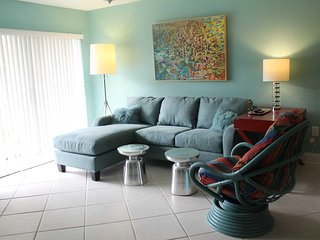 Ground floor condo close to pool and ocean - Ocean House Condo #108