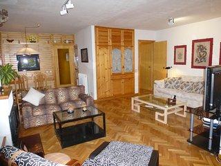 Apartamento en Jaca. Esqui-Piscina-Garaje-Vistas