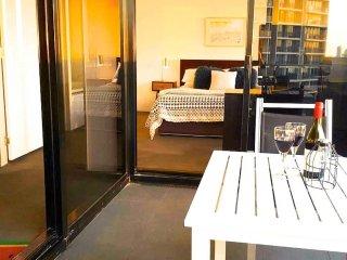 Luxury Spa Waterway Apartment