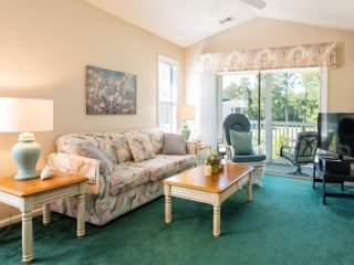 2BR/ 2bath  CONDO--LOOKING FOR GREAT PLACE TO STAY IN MYRTLE BEACH