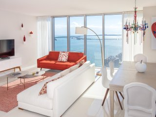 MILLION DOLLAR VIEWS OF THE BAY FROM CORNER CONDO AT THE W RESIDENCES
