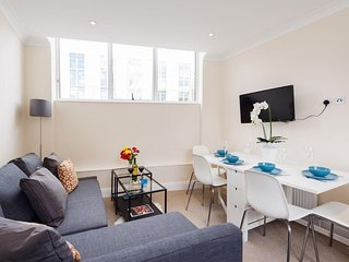 Magravine Gardens Court II apartment in Hammersmith with WiFi.