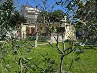 Private accommodation - holiday house Pula 9735 2-room-suite