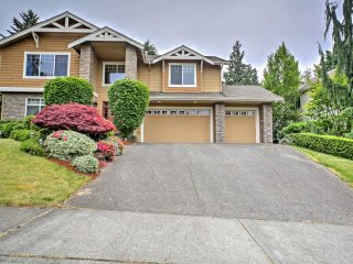 NEW! 4BR Kirkland House-Minutes to Lake Washington