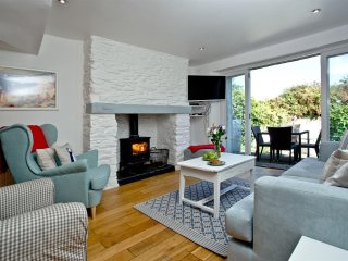 Rose Cottage located in Stoke Fleming, Devon