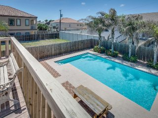 Cozy, three-level house w/ sparkling pool, fenced yard, deck - walk to the beach