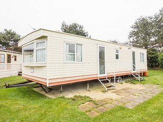 Ref 10013 8 berth caravan for families and dogs at Breydon Water Holiday Park .