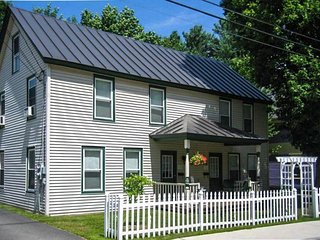 Charming, historic Ludlow home w/yard - close to Okemo skiing