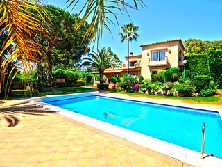 Exclusive Beachside Holiday Villa in Marbella