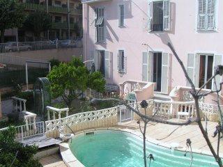 Location Appartement Niçois En Rez De Jardin Avec Piscine Nice Couchages 8 pers