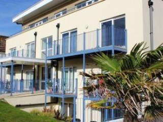 G/F 2 Bedroom Flat in Southbourne - 20% Discount due to Scaffolding Work FM3593