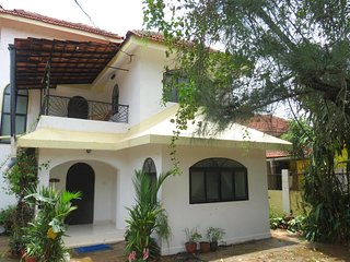 47)  Spacious 3 Bedroom Private Villa Saligoa Sleeps 7 & WiFi