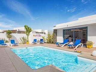 3 bedroom Villa in Playa Blanca, Canary Islands, Spain - 5334680