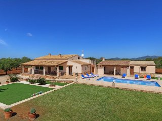 3 bedroom Villa with Air Con, WiFi and Walk to Beach & Shops - 5334627