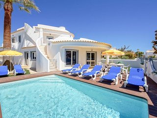 4 bedroom Villa in Galé, Faro, Portugal : ref 5334387