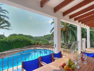 Binibequer Vell Villa Sleeps 9 with Pool Air Con and WiFi - 5334710