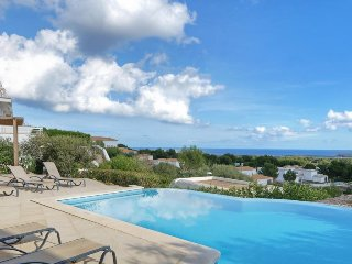 Arenal d'en Castell Villa Sleeps 8 with Pool Air Con and WiFi - 5334744