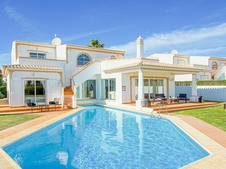 4 bedroom Villa in São Rafael, Faro, Portugal - 5400256