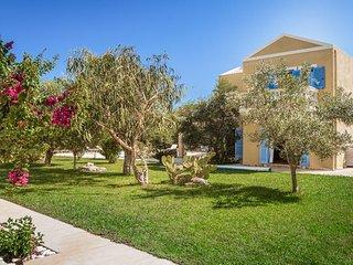Karavomylos Villa Sleeps 6 with Pool Air Con and WiFi - 5334453