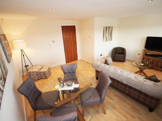 Properties Unique - High Quays Apartments (2 Bed)
