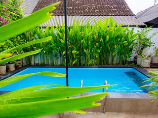 Pantai Bungalow Guest House, Lembongan Strategic Bungalows