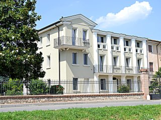 Villa Parco - Park 4000 square meters. Total 5500.